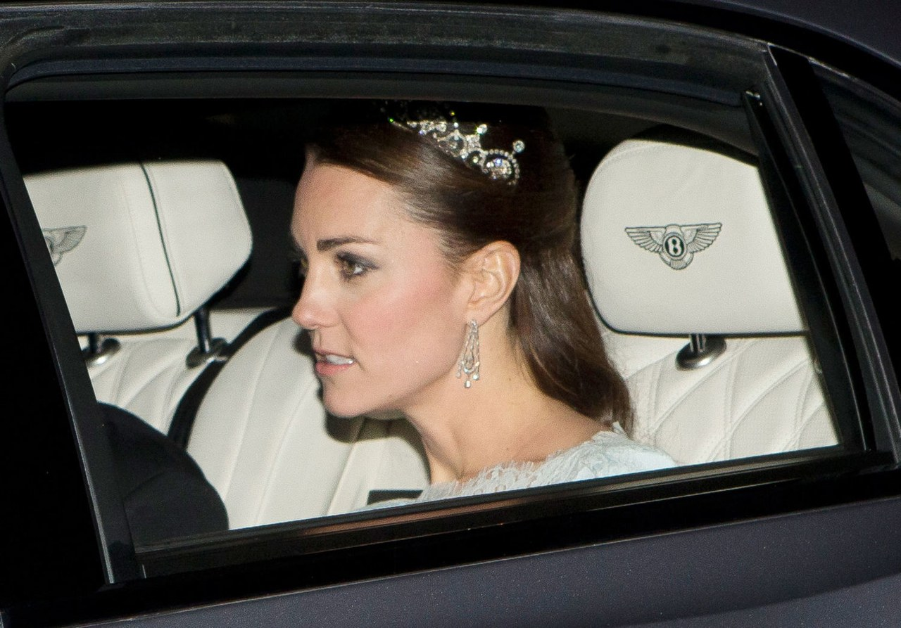 kate middleton lotus tiara buckingham palace arriving