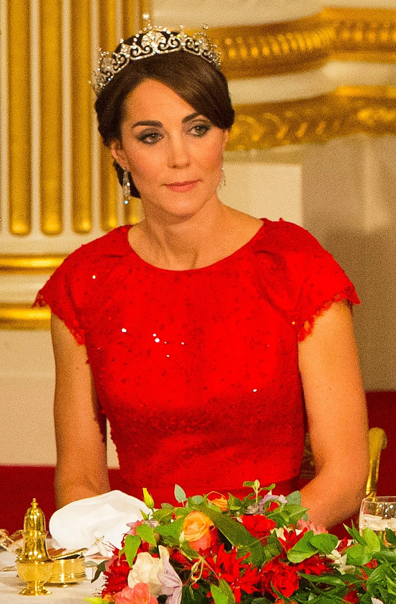 kate middleton state dinner tiara updo