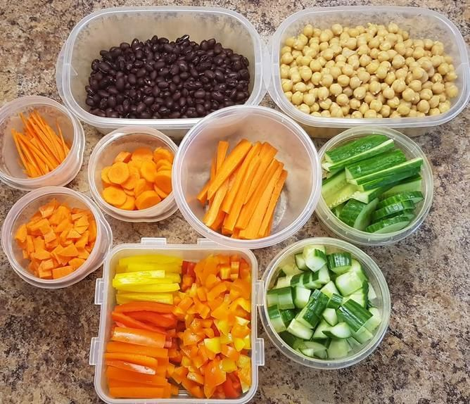 Melissa Wheeler starts prepping her daughter's lunchbox each Sunday by storing chopped ingredients in containers.