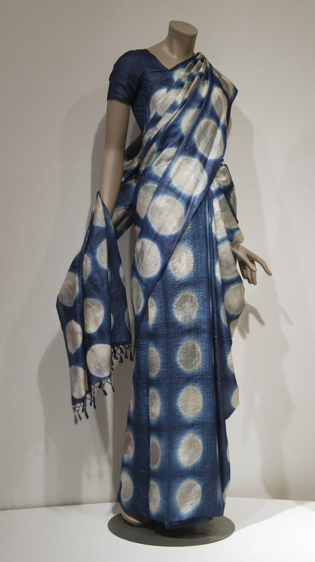 'Moon Sari,' designed by brothers Aziz and Suleman Khatri in 2012