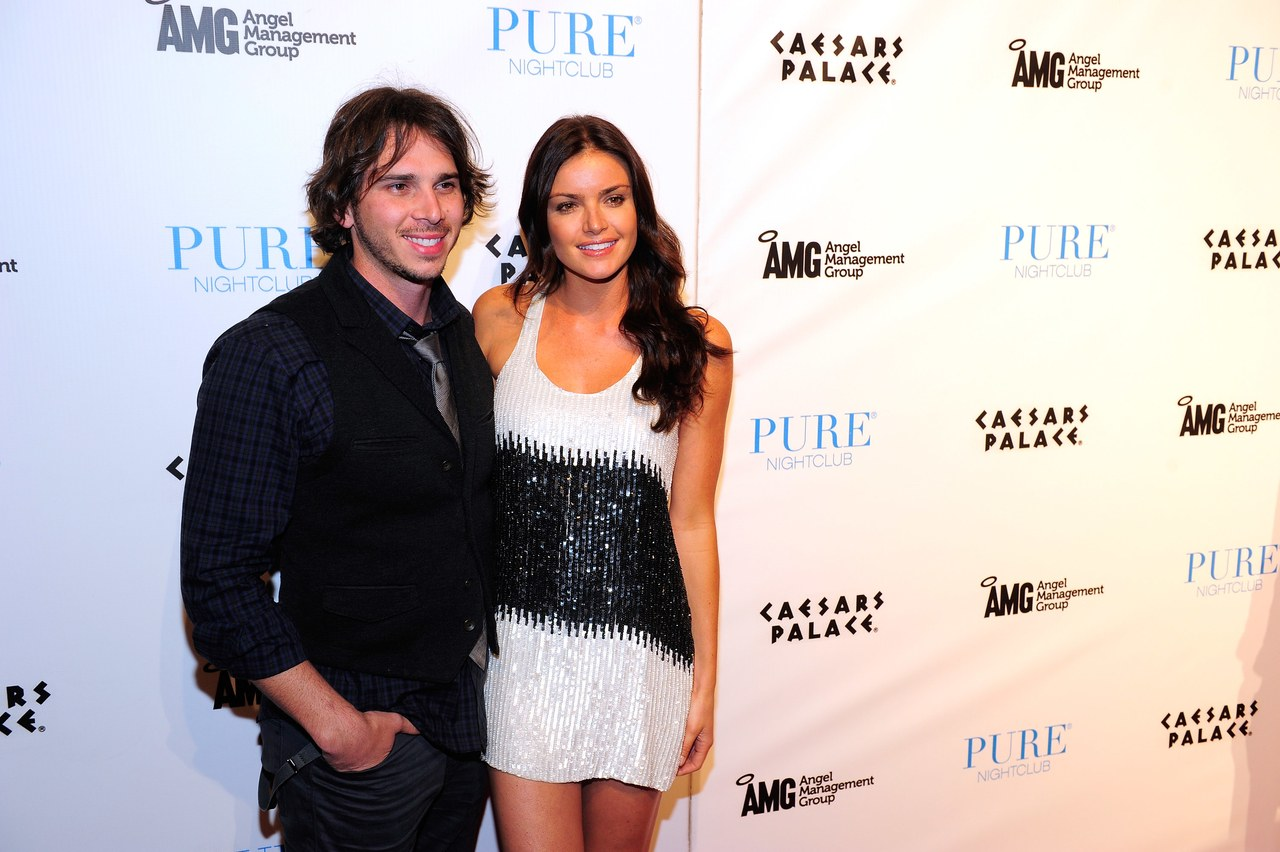 """Ben And Courtney Of ABC's """"The Bachelor"""" Host An Evening At PURE Nightclub"""