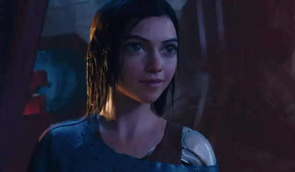 Alita: Battle Angel Alita smiling in the sunken ship, soaked to the bone