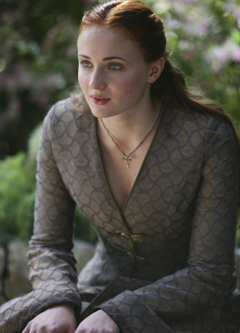 Sansa Stark wears a dress similar to Margery Tyrell on 'Game of Thrones'