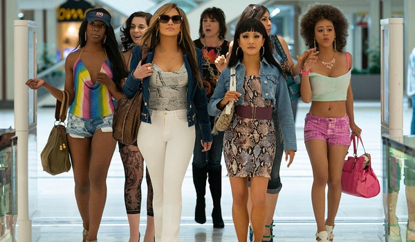 Hustlers Jennifer Lopez and Constance Wu lead their girls into the mall