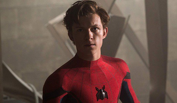 Spider-Man: Homecoming Peter stands defiantly in the wreckage