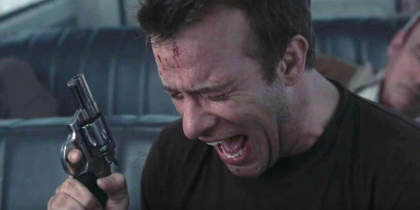 David Drayton cries at the end of The Mist