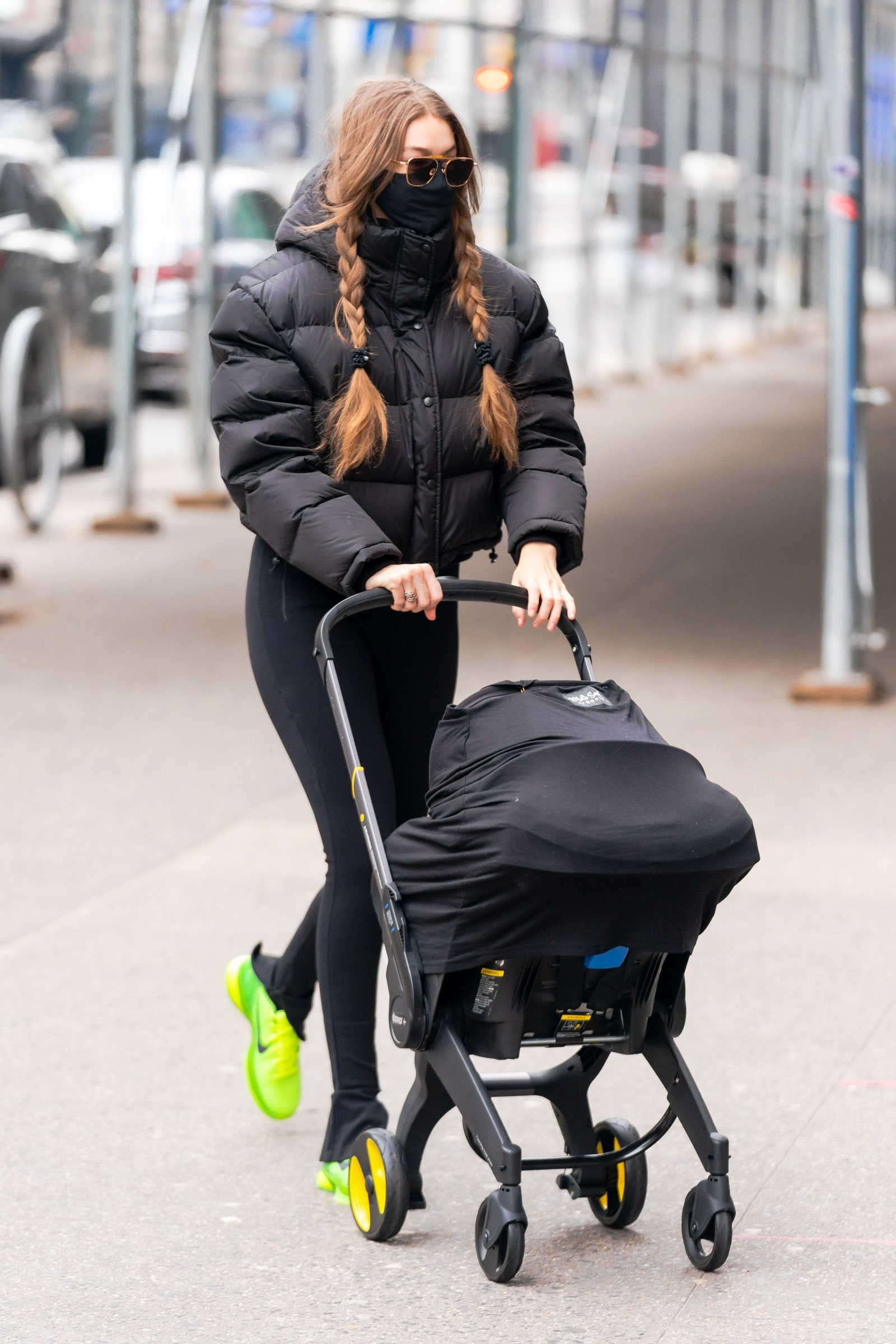 NEW YORK NEW YORK JANUARY 11 Gigi Hadid is seen in Chelsea on January 11 2021 in New York City.